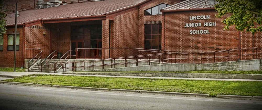 Lincoln, IL School District 27